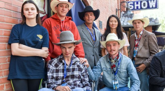 Chloé Zhao and the cast of THE RIDER